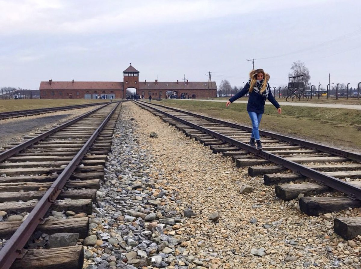 METRO GRAB - Former Nazi genocide stay pleads with visitors to stop holding unpleasant selfies From @AuschwitzMuseum/Twitter
