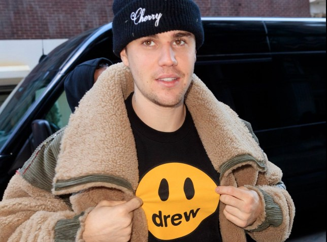NEW YORK, NY - FEBRUARY 26: Justin Bieber shows off a 'Drew' shirt when out and about on February 26, 2019 in New York City. (Photo by Gotham/GC Images)
