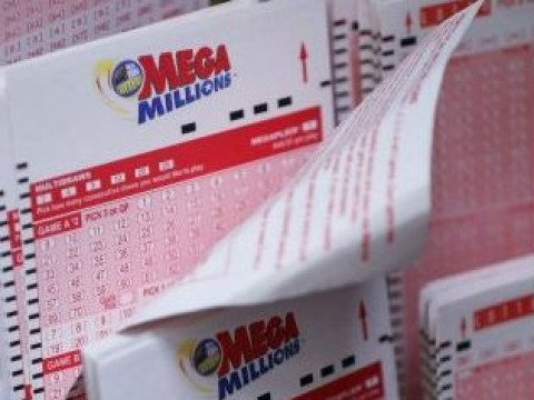 $1.5 billion Mega Millions jackpot winner to give cash to charity
