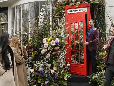 A phone box gin portal is coming to the UK and giving you free tipples