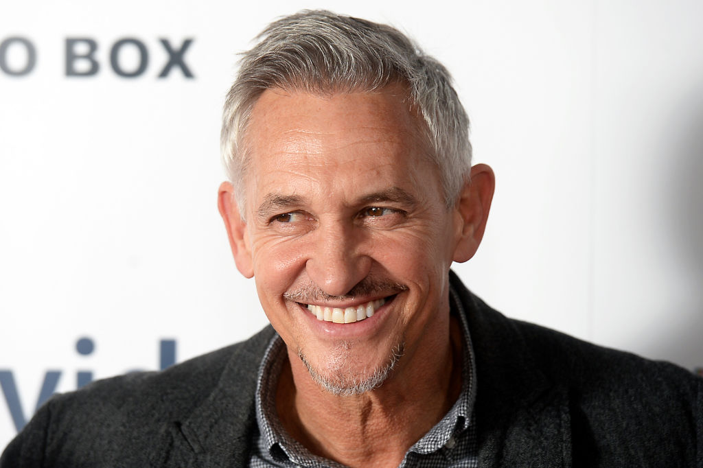 Gary Lineker joins in ridiculing Manchester United after Everton hammering