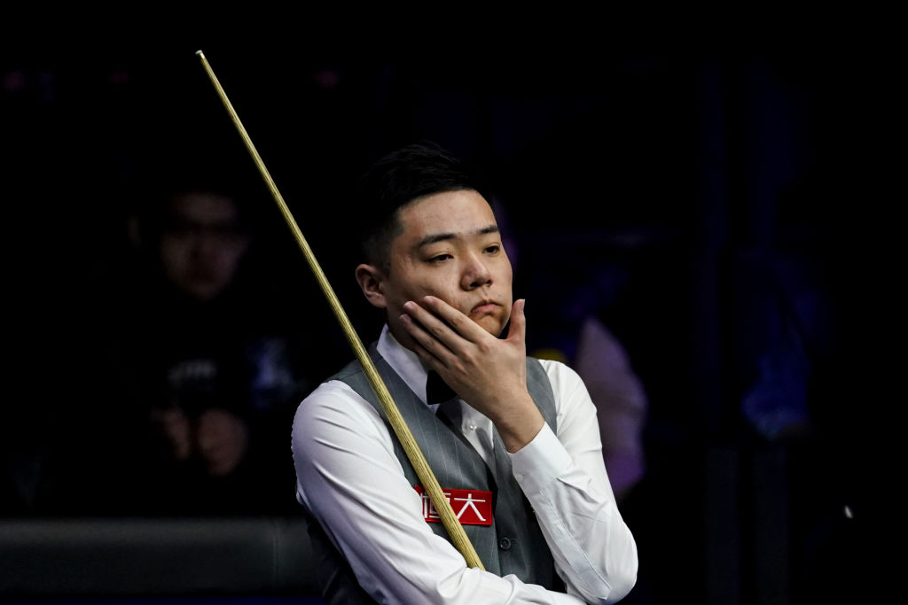 Ding Junhui headbutts table in frustration en route to World Championship win over Anthony McGill