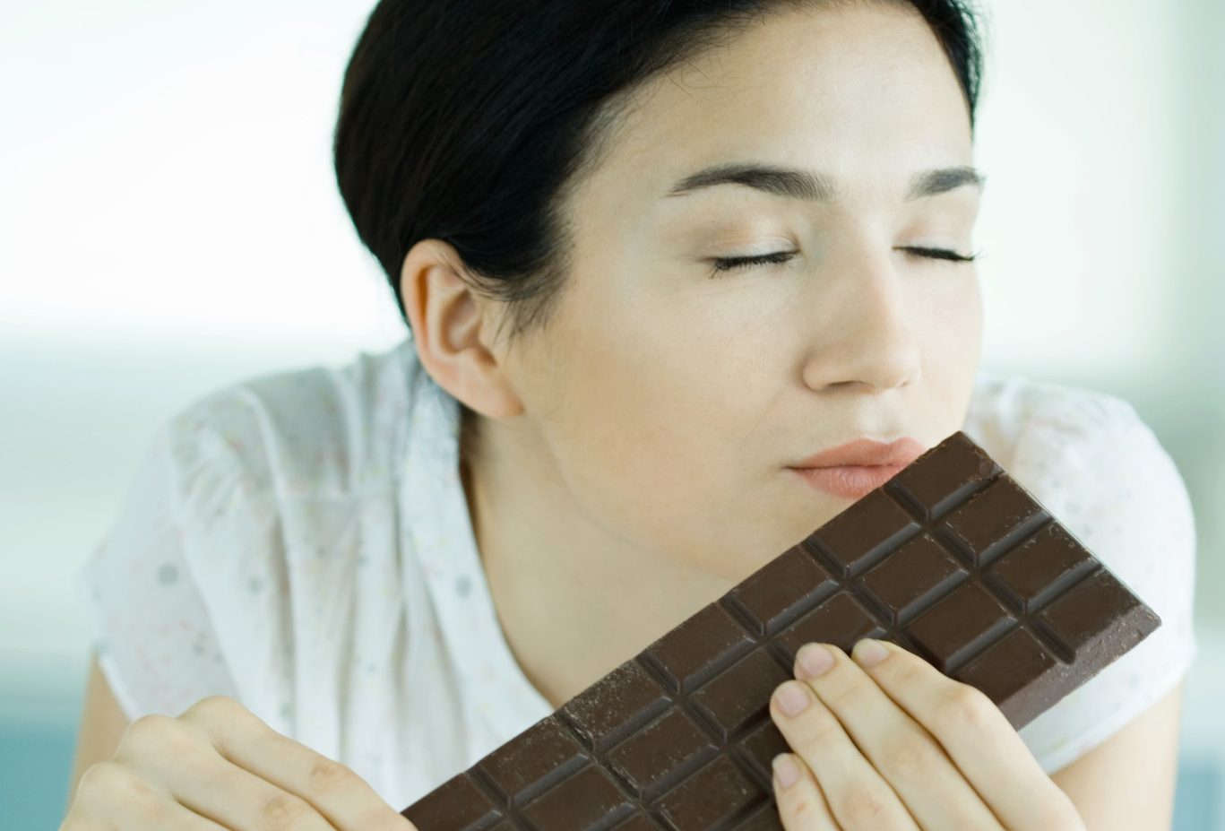Apparently sniffing chocolate could help you quit smoking