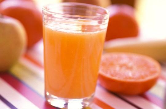 AS Glas Vitamine Nahaufnahme Orangensaft Saft Orange Orangen trinken voll stills Apfel Gesundheit gesund fitness fit Getr?nk Fruchtsaft frisch fr?hst?ck