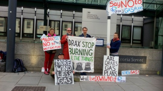METRO GRAB - Drax petition Green campaigners are urging the Government to turn down plans for the UK's largest gas power plant to replace coal units at Drax in North Yorkshire. From @biofuelwatch/Twitter
