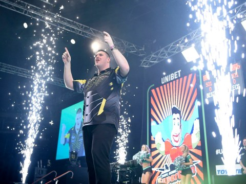 Watch Belfast Premier League crowd go wild for local here Daryl Gurney but get silenced by Rob Cross