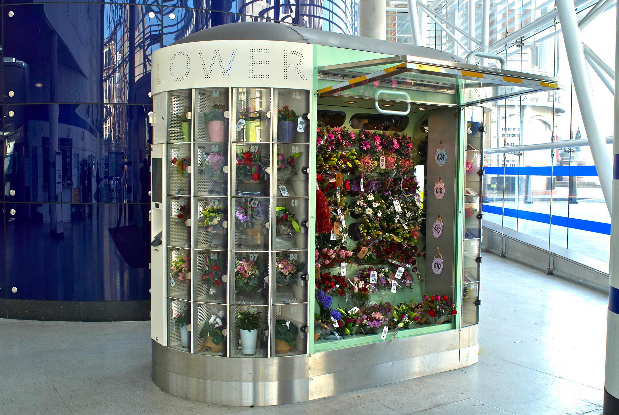 Vending machine in Clapham lets you get fresh flowers 24/7