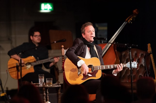 GLASGOW, SCOTLAND - APRIL 07: Kiefer Sutherland performs on stage at Cottiers Theatre on April 7, 2019 in Glasgow, Scotland. (Photo by Roberto Ricciuti/Redferns)