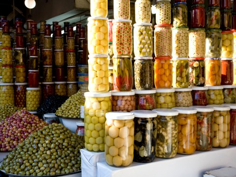 Firm stockpiles 80 tonnes of olives ahead of Brexit