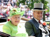 ASCOT, ENGLAND - JUNE 20: Queen Elizabeth II and Prince Philip, Duke of Edinburgh arrive with the Royal Procession as they attend Royal Ascot 2017 at Ascot Racecourse on June 20, 2017 in Ascot, England. (Photo by Chris Jackson/Getty Images)