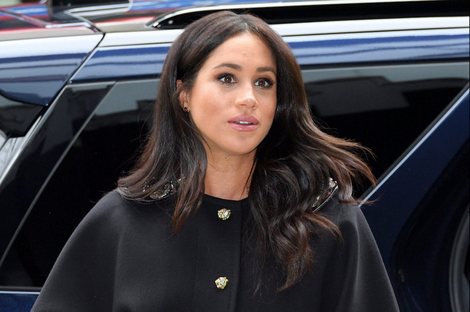LONDON, ENGLAND - MARCH 19: Meghan, Duchess of Sussex arrives at New Zealand House to sign the book of condolence after the recent terror attack which saw at least 50 people killed at a Mosque in Christchurch on March 19, 2019 in London, England. (Photo by Karwai Tang/WireImage)