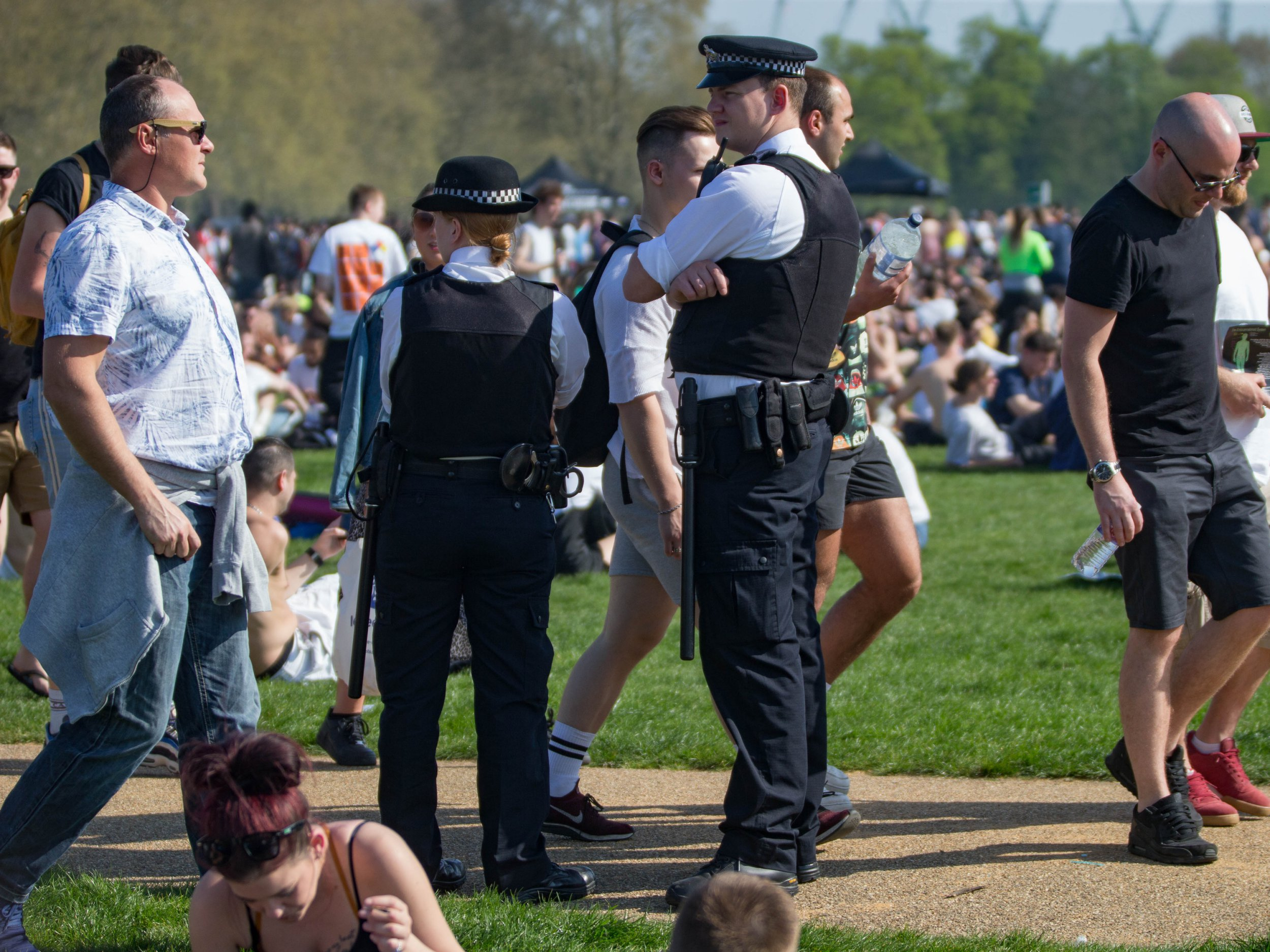 Man fighting for life after being stabbed in Hyde Park as thousands celebrate 4/20