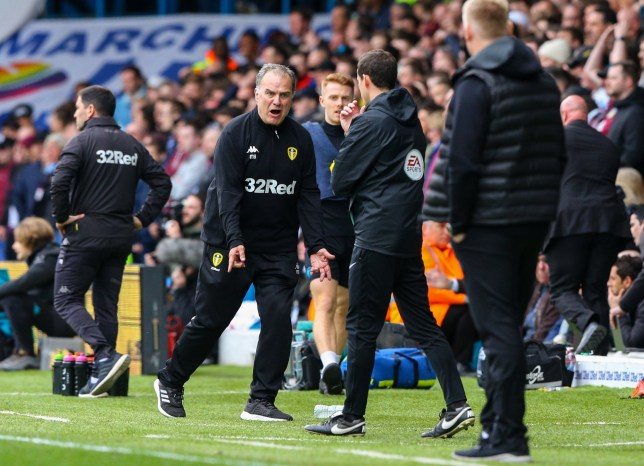 LEEDS, ENGLAND - APRIL 28: Leeds United manager Marcelo Bielsa remonstrates with fourth official Darren England during the Sky Bet Championship match between Leeds United and Aston Villa at Elland Road on April 28, 2019 in Leeds, England. (Photo by Alex Dodd - CameraSport via Getty Images)