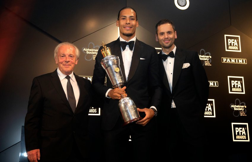Chief Executive of the PFA Gordon Taylor (left) and chairman Ben Purkiss (right) with Liverpool's Virgil van Dijk who won the PFA Player of the Year award during the 2019 PFA Awards at the Grosvenor House Hotel, London. PRESS ASSOCIATION Photo. Picture date: Sunday April 28, 2019. See PA story SOCCER PFA. Photo credit should read: Steven Paston/PA Wire