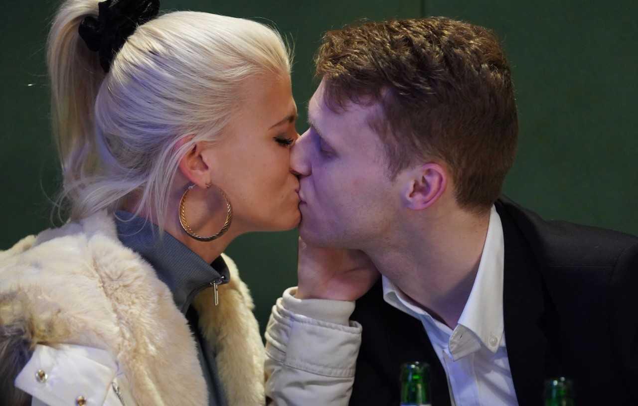 Lola and Jay kiss in EastEnders