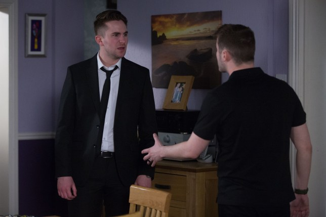 Ben and Halfway argue in EastEnders