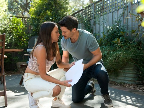 Neighbours spoilers: Shock romance for Bea and Finn?