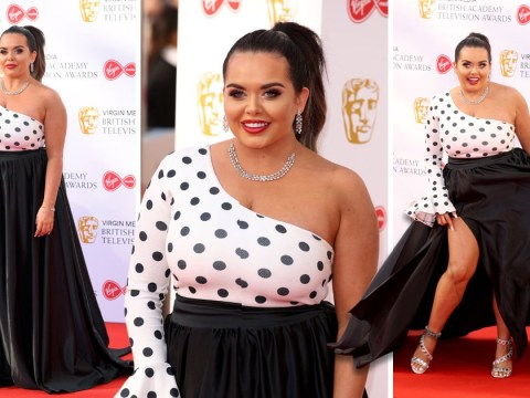 Scarlett Moffatt serves glam with side of body confidence as she 'rocks what her mama gave her'