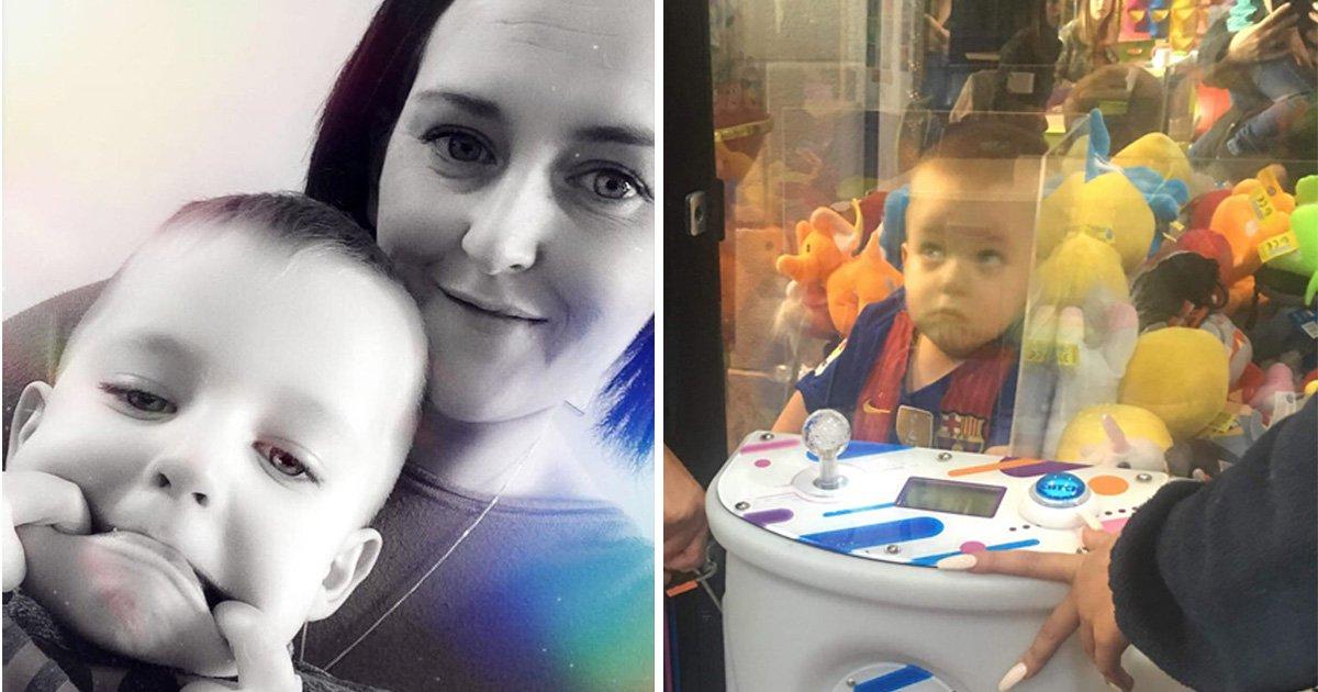 This three-year-old boy got stuck in a toy grabber machine
