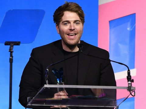 Shane Dawson wins YouTuber of the year at Shorty Awards and no one is handling it