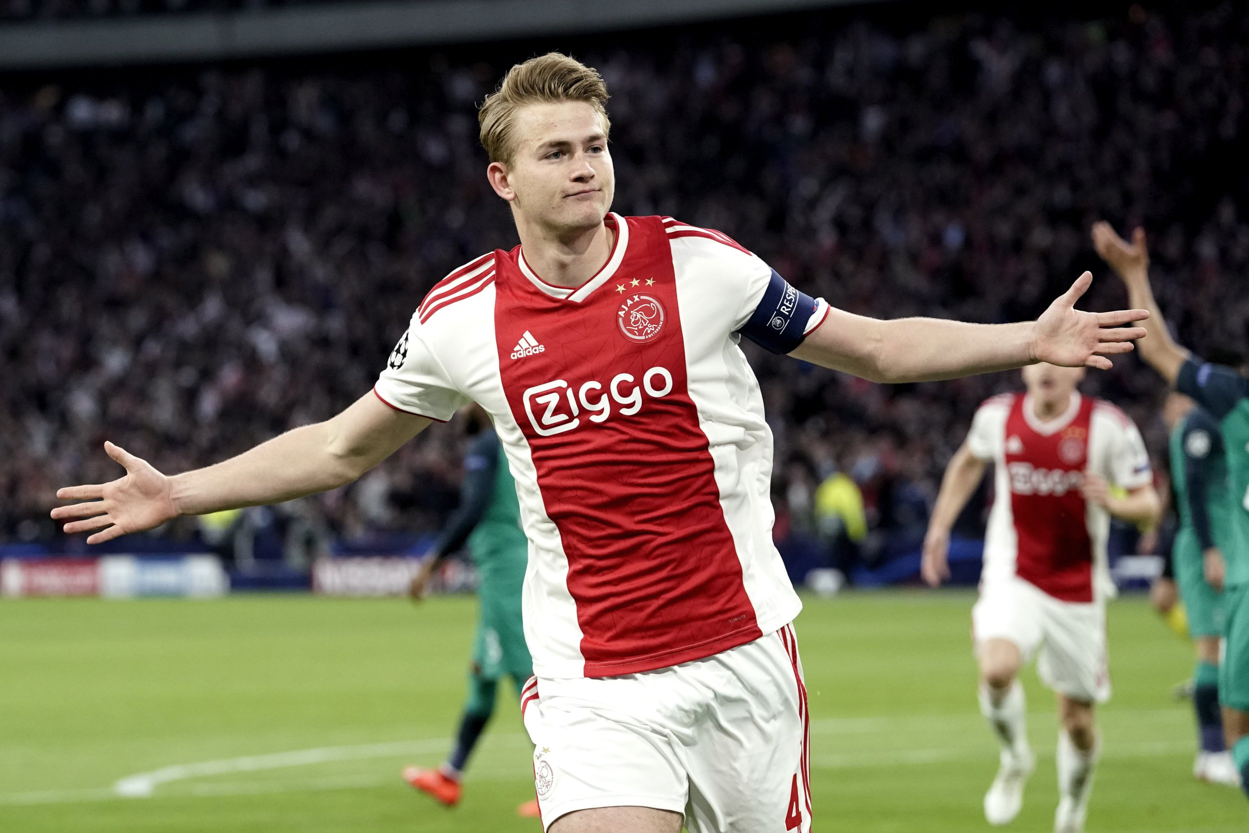 Barcelona, Liverpool and Manchester United are interested in Matthijs de Ligt