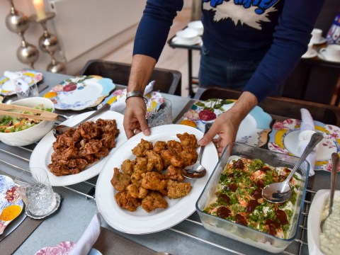 Muslims Who Fast: Tabetha, who works with Open Iftar, shows us food from Pakistan