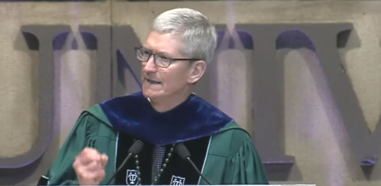 Tim Cook vocalization during a derivation debate for Tulane University