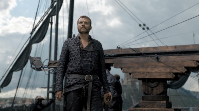 Euron Greyjoy (played by Pilaou Aesbak) looks shocked as he stares at the sky on Game Of Thrones