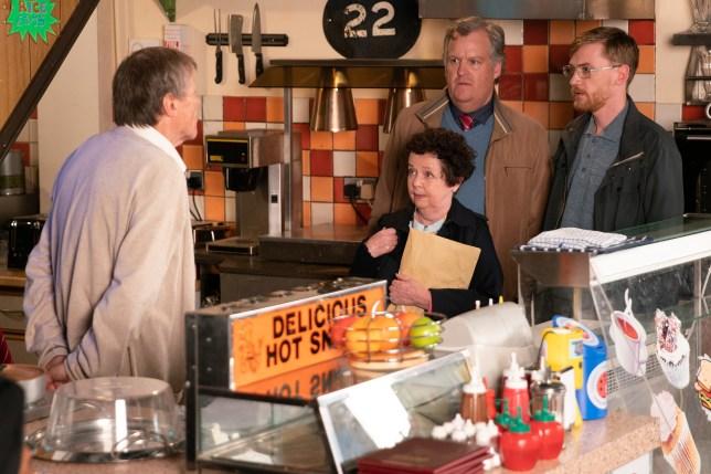 Roy gets shock news in Coronation Street