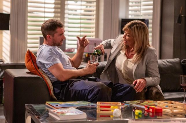 Kim tricks Pete in Emmerdale