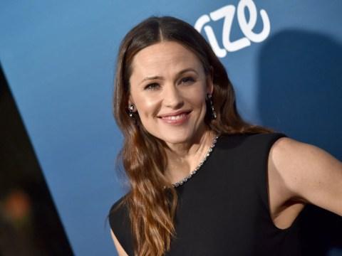 Casey Affleck praises ex sister-in-law Jennifer Garner for being just plain 'awesome' after splitting from Ben