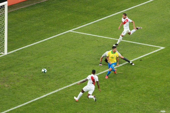 Roberto Firmino scores his most ridiculous no-look goal yet as Brazil thump Peru