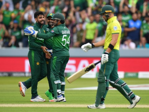 Pakistan knock South Africa out of World Cup and keep slim semi-final hopes alive