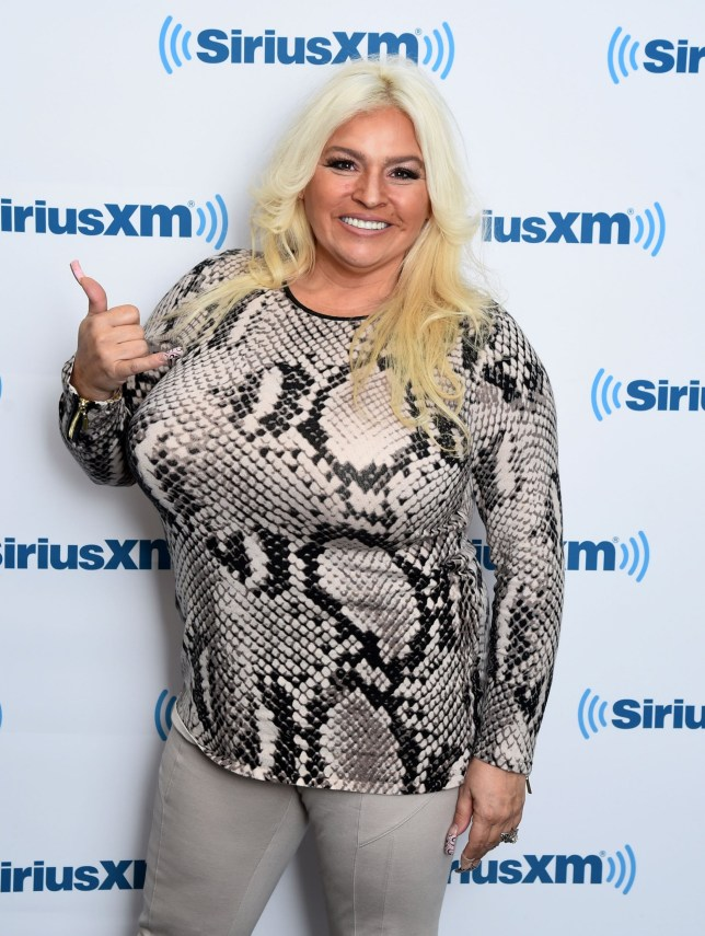 Beth Chapman was 'pulling tubes out of arms' and 'in a lot of pain' before medically induced coma