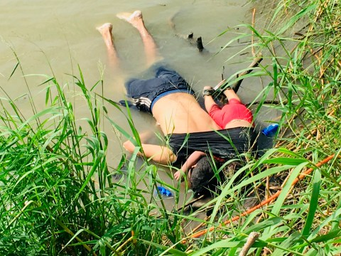 Devastating picture of dead migrant girl and her dad trying to get to the US