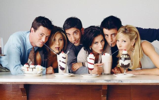 Matthew Perry as Chandler Bing, Jennifer Aniston as Rachel Green, David Schwimmer as Ross Geller, Courteney Cox as Monica Geller, Matt LeBlanc as Joey Tribbiani, Lisa Kudrow as Phoebe Buffay in Friends