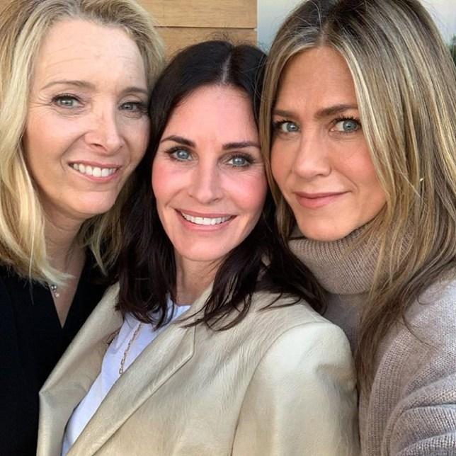 METRO GRAB - Courteney Cox reunites with Friends BFFs Jennifer Aniston and Lisa Kudrow for 55th From @courteneycoxofficial/Instagram https://www.instagram.com/p/BywZW8WDHTz/