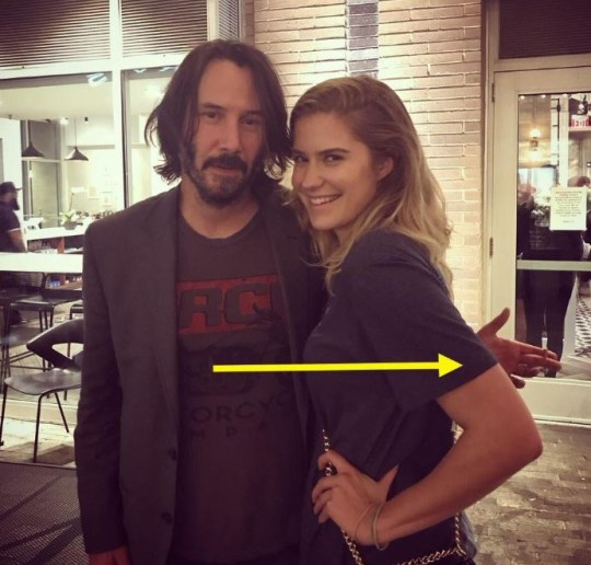 Keanu Reeves not hugging female fans