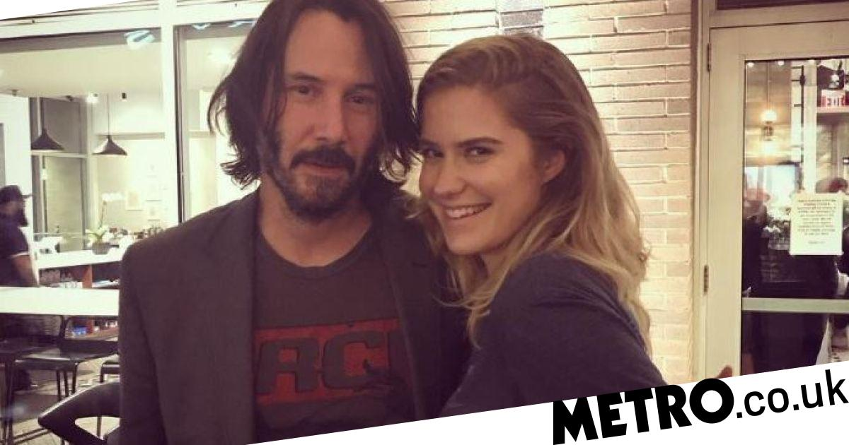 Keanu Reeves praised for not touching women in photos amid