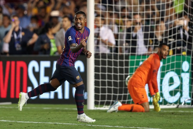 Malcom is in talks with Everton