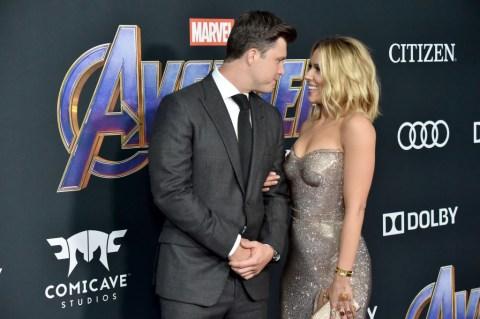 Scarlett Johansson S Fiance Colin Jost Was So Scared Of Marriage Metro News