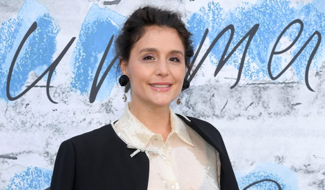 Jessie Ware is in a star-studded Love Island WhatsApp group with Jonathan Ross and we want in