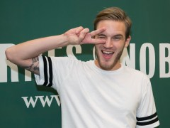 What's PewDiePie's live sub count and when will he hit 100 million?