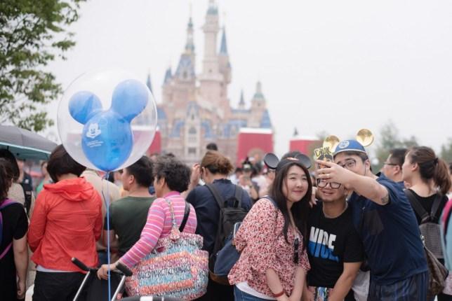 Shanghai Disneyland Selfie