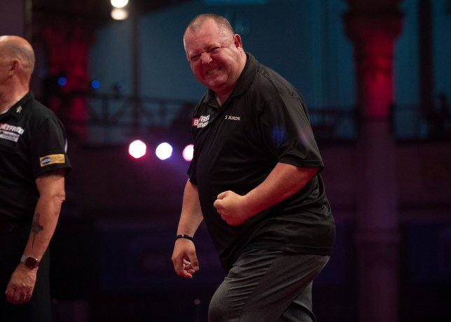 Mervyn King beat Gary Anderson in the second round of the World Matchplay