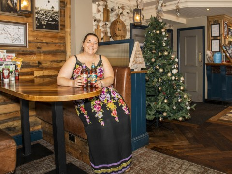 Pub puts up Christmas Tree on hottest week of the year