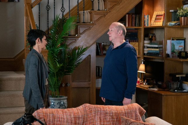 Yasmeen Nazir (Shelley King) and Geoff Metcalfe (Ian Bartholomew) in Coronation Street