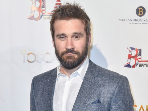 Vikings star Clive Standen issues warning to fans after 'scammers' pretend to be him