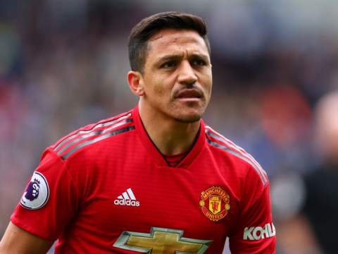 Manchester United and Roma in talks over Alexis Sanchez loan deal