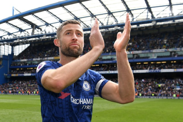 Arsenal should look to sign former Chelsea defender Gary Cahill, according to Darren Bent